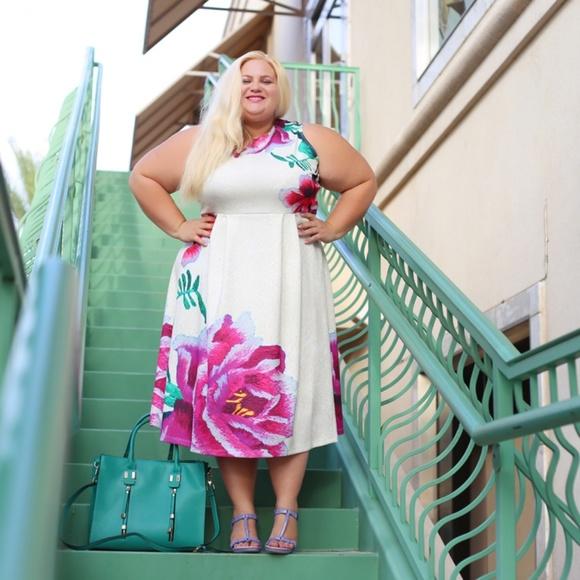 Dresses & Skirts - My favorite floral dress
